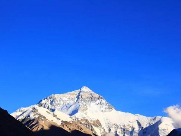 珠峰高度测量 测绘工作者的攀登